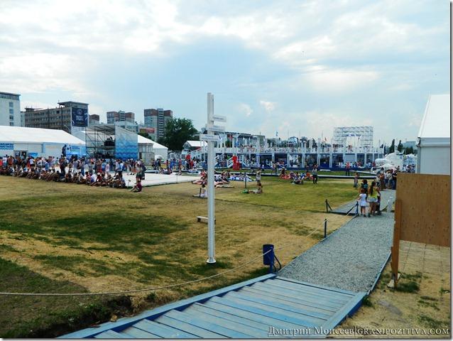 вид на городок на фестивале белые ночи в перми