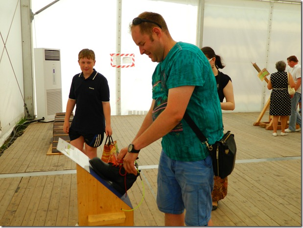 Дмитрий Моисеев на экспонате  в эксперементариуме Фестиваля Белые Ночи в Перми
