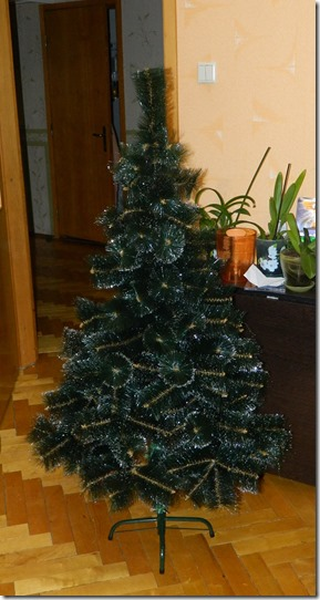 Фото искусственной новогодней елки