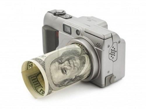 Фотоаппарат с долларом вместо объектива