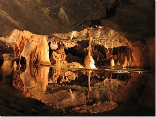 Красивая пещера
