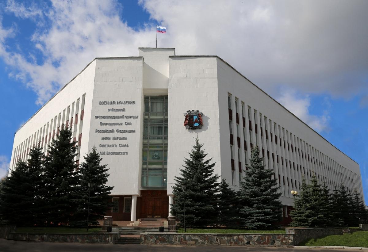 Главный корпус академии войсковой пво в Смоленске