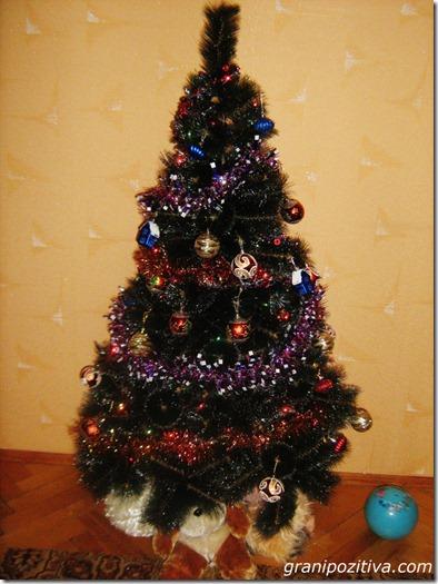 Новогодняя искуственная елка