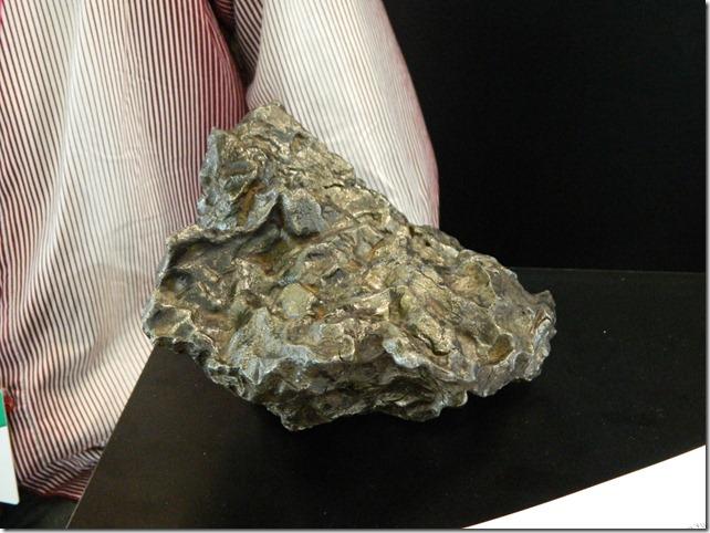 Кусок челябинского метеорита на Иннопроме