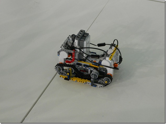 роботизированная машинка на Иннопроме