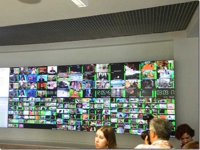 Экран контроля интерактивного телевидения  в Центре управления Ростелеком в Москве