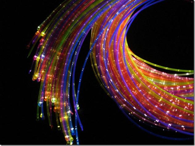 Разноцветные оптоволоконные кабели